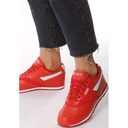 cb9a7832 Buty sportowe damskie czerwone Born2be młodzieżowe sznurowane w Domodi