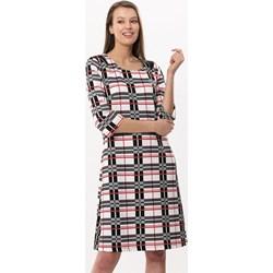 be58c11750 Sukienka Born2be wielokolorowa w kratkę prosta z długim rękawem