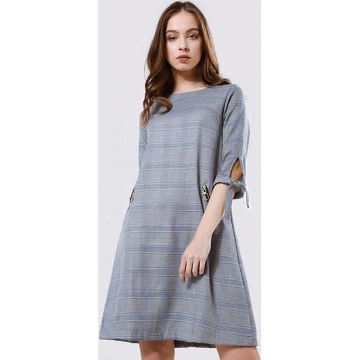 634f9711a4 Sukienka szara Born2be z długim rękawem mini z okrągłym dekoltem w ...