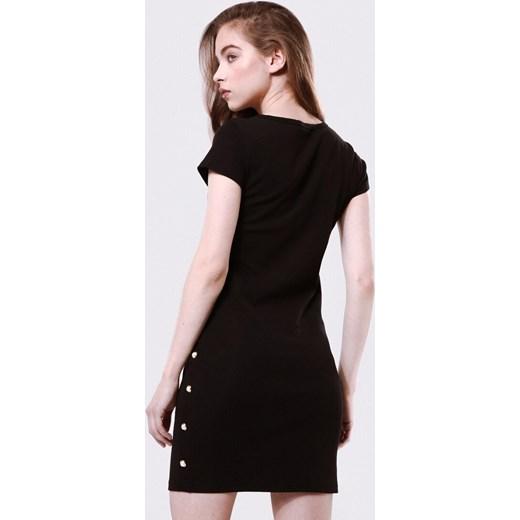07710f1b98 ... krótkim rękawem prosta  Sukienka Born2be czarna prosta z okrągłym  dekoltem ...