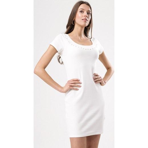 f2c4502e15 Sukienka Born2be na co dzień z okrągłym dekoltem biała w Domodi