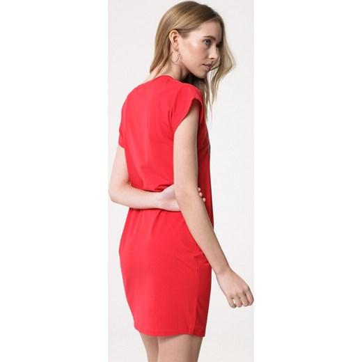 f6380dd269 ... Sukienka Born2be casual z okrągłym dekoltem midi  Sukienka Born2be z krótkim  rękawem ...