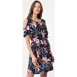 0f0dc12f99 Sukienka Born2be z okrągłym dekoltem mini casual na spacer z krótkim rękawem