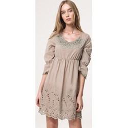 94ccbea712 Zielona sukienka Born2be z długim rękawem z okrągłym dekoltem na jesień na  co dzień