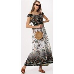 72361ab1a5 Sukienka Born2be z odkrytymi ramionami wielokolorowa z dekoltem w łódkę
