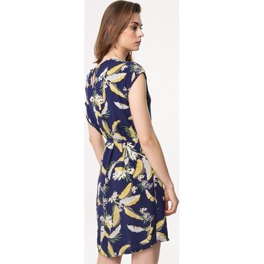 5683796fbb ... Sukienka Born2be na spacer z krótkim rękawem z okrągłym dekoltem na  wiosnę mini ...