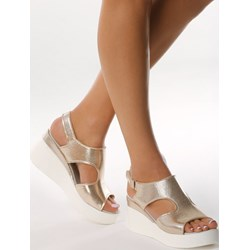 2aace6745de05 Born2be sandały damskie na rzepy na koturnie eleganckie