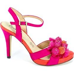 186ee61ce0c14 Sandały damskie Menbur różowe z klamrą eleganckie bez wzorów