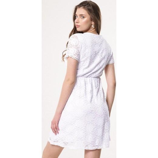 d8f7769dd6 ... Sukienka Born2be prosta mini z krótkim rękawem elegancka  Sukienka  Born2be na ...