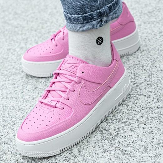Buty sportowe damskie różowe Nike do biegania air force płaskie młodzieżowe bez wzorów