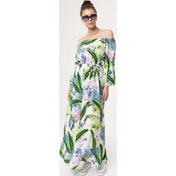7fd5d588e41ff Sukienka Born2be z odkrytymi ramionami maxi wielokolorowa z dekoltem typu  hiszpanka