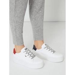 0dc726e5a29bc Trampki damskie Tommy Jeans wiązane na platformie bez wzorów