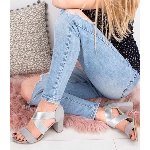 Białe sandały damskie Super Mode na słupku sznurowane www