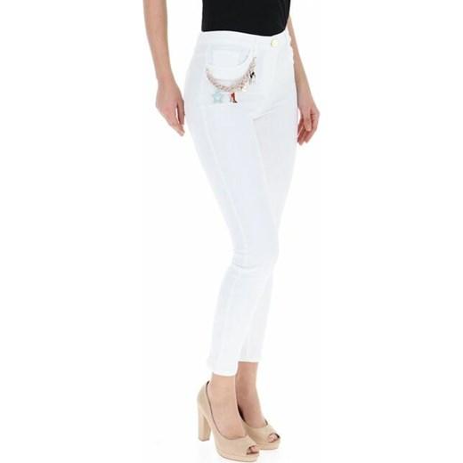 trwałe modelowanie Jeansy z łańcuszkiem - Elisabetta Franchi 28 360 dantestore.pl Odzież Damska EL biały Jeansy damskie GLSN