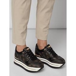08aa52805ddd4 Sneakersy damskie Guess na platformie ze skóry ekologicznej