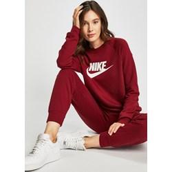 adf54dbcb9901a Czerwona bluza damska Nike Sportswear