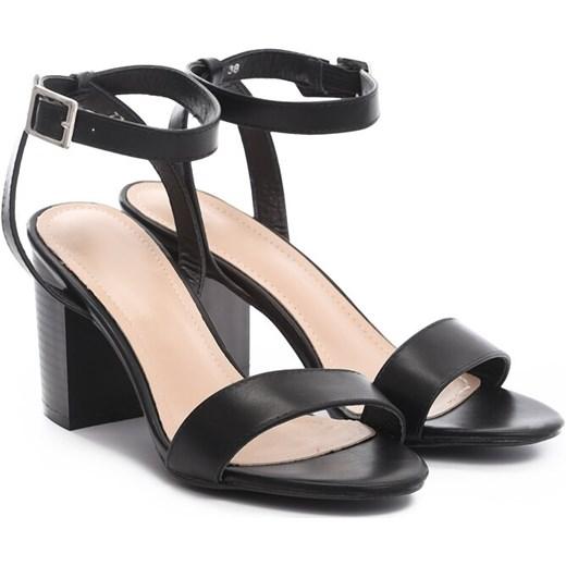 szyk Renee sandały damskie bez wzorów na słupku na średnim