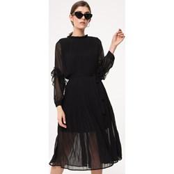 b9c608cf46716f Born2be sukienka elegancka na studniówkę rozkloszowana