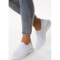 93c042e5 Buty sportowe damskie Born2be białe bez wzorów płaskie bez zapięcia
