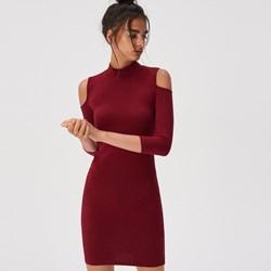 839a92524b8022 Sukienka czerwona Sinsay dopasowana bez wzorów z długimi rękawami