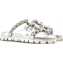 Buty z biedronki, modne kolekcje 2020 w Domodi