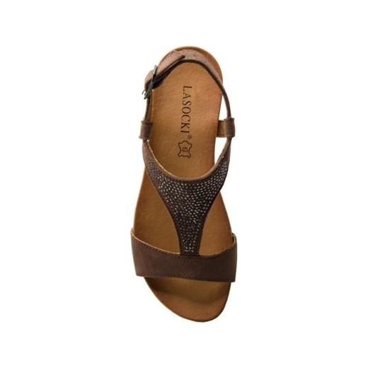 Brązowe sandały damskie Lasocki bez obcasa bez wzorów letnie