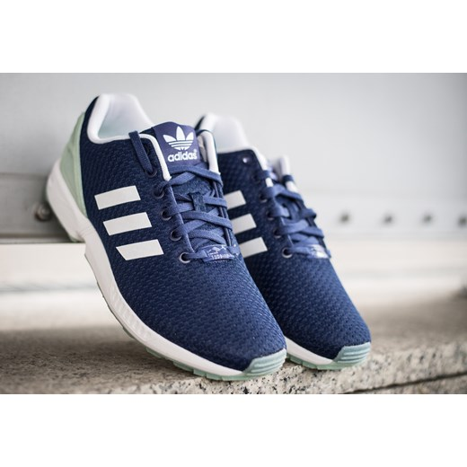 BUTY DAMSKIE SNEAKERSY ADIDAS ORIGINALS ZX FLUX B35314 sneakerstudio pl granatowy do biegania