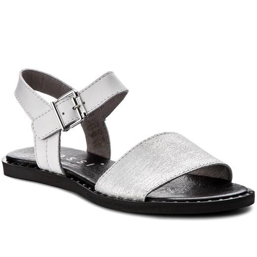 Białe sandały damskie nessi, lato 2020 w Domodi