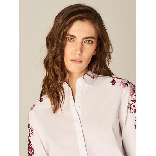 Mohito Bawełniana koszula z kwiatowym haftem Biały zielony  eC0hJ