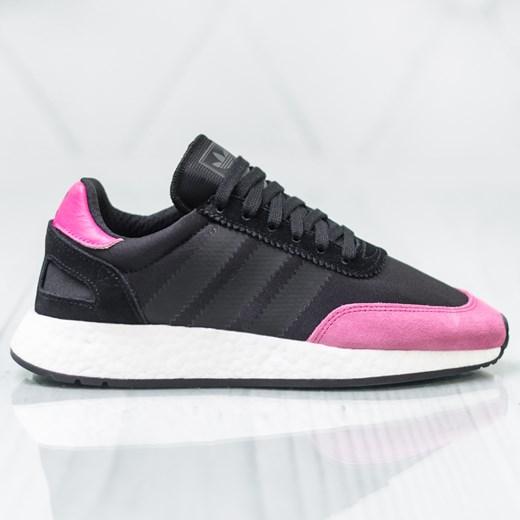 Buty sportowe damskie Adidas na płaskiej podeszwie