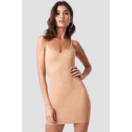 Sukienka NA KD beżowa na ramiączkach
