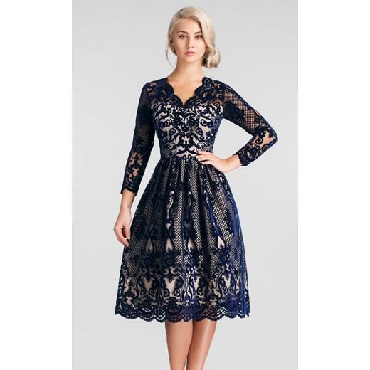 Sukienka Livia Clue z długim rękawem na spacer rozkloszowana