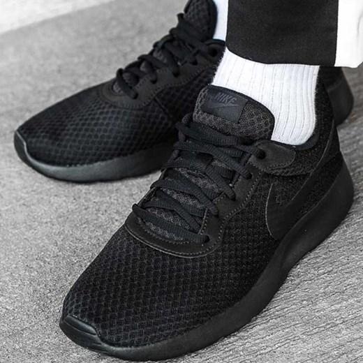 Buty sportowe męskie Nike tanjun czarne sznurowane w Domodi