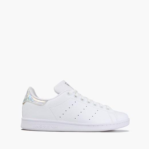 Białe buty sportowe damskie Adidas na wiosnę płaskie bez