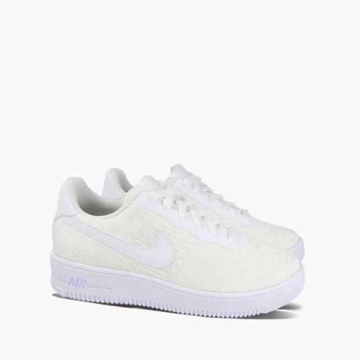 Buty sportowe damskie Nike dla biegaczy air force białe bez wzorów sznurowane płaskie