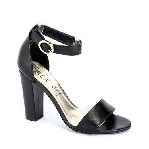 Sandały damskie czarne Sala z klamrą letnie bez wzorów na