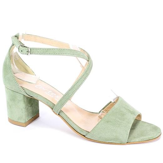 Stylowe sandały damskie Steve Madden idealne na ciepłe dni