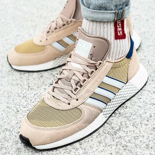 Buty sportowe męskie beżowe Adidas wiązane w Domodi