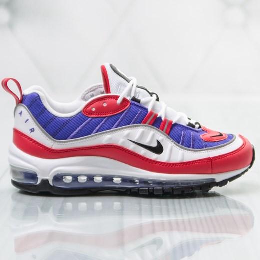 Wielokolorowe buty sportowe damskie Nike dla biegaczy