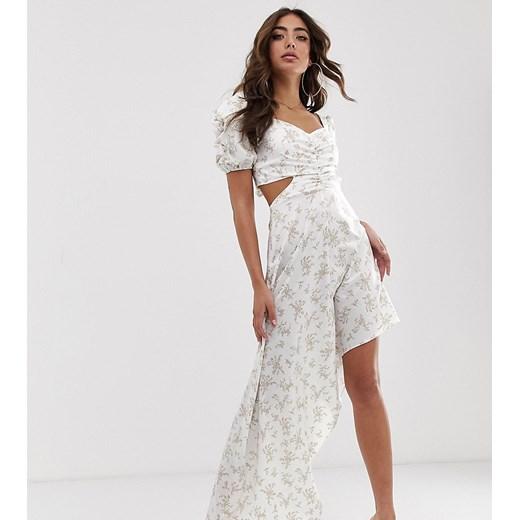 Sukienka House Of Stars biała asymetryczna w Domodi