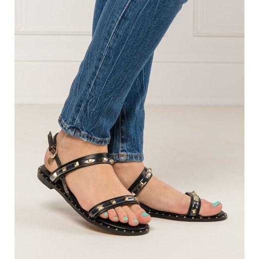 Sandały damskie Guess Jeans z klamrą na lato na płaskiej