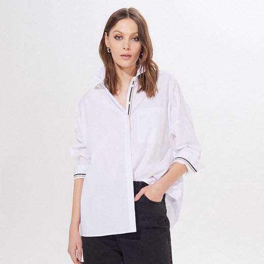 Biała koszula damska Mohito z bawełny w Domodi  QEA5p