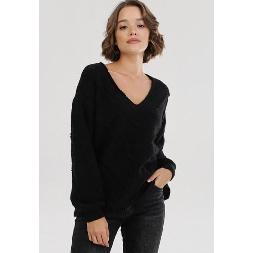 Sweter damski Born2be czarny bez wzorów w serek casual Odzież Damska OL czarny UICD
