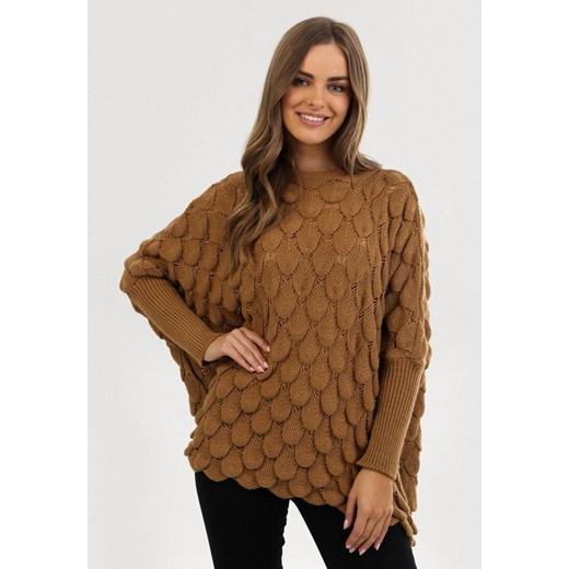 Brązowy sweter damski Born2be z okrągłym dekoltem Odzież Damska KC brązowy HADU