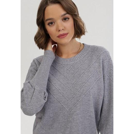 Sweter damski szary Born2be bez wzorów z okrągłym dekoltem Odzież Damska NU szary RUZS