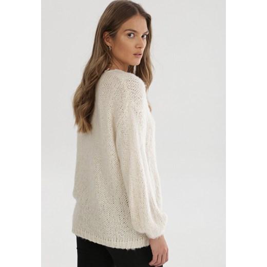 Sweter damski Born2be zimowy z okrągłym dekoltem Odzież Damska JV beżowy CASA