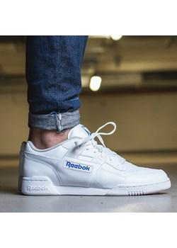 Białe sneakersy męskie reebok, wiosna 2020 w Domodi