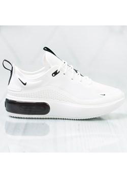 sprzedaż Buty sportowe damskie białe Nike do koszykówki air