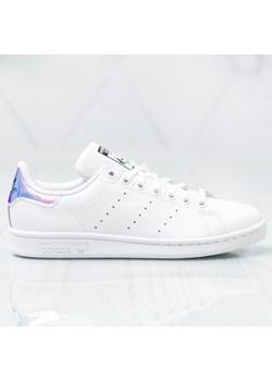 Trampki damskie Adidas stan smith białe na płaskiej podeszwie bez wzorów sportowe