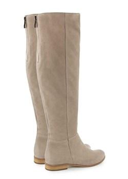 Kozaki damskie – modne buty zimowe i jesienne zamszowe i